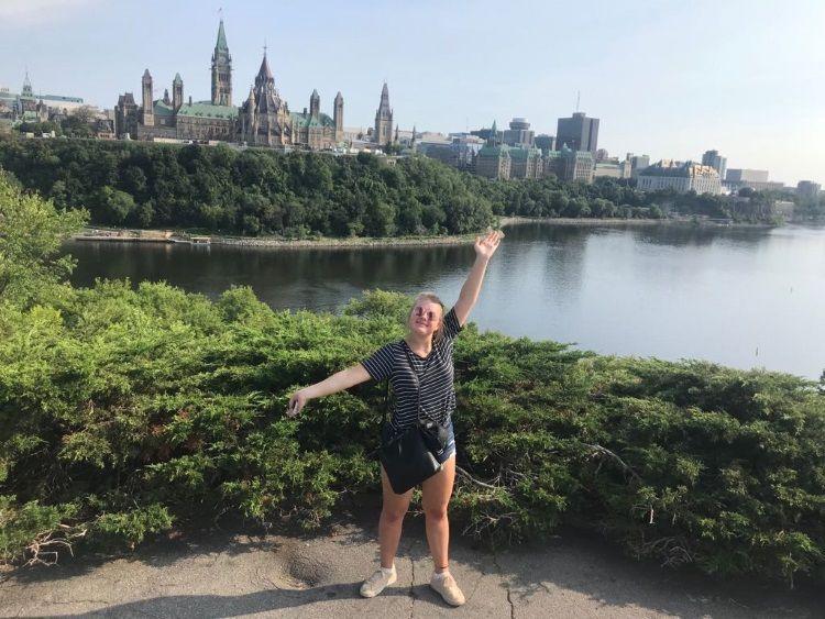 Von hier aus hat man eine tolle Sicht auf das Parlament in Ottawa.