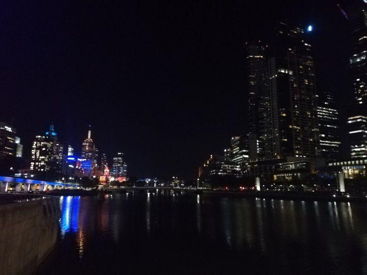 Melbourne ist die an der Südostküste Australiens gelegene Hauptstadt des australischen Bundesstaats Victoria.