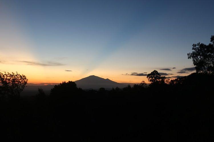 Sonnenuntergang am Kilimanjaro