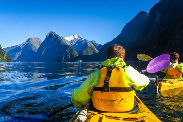 Kajak fahren bei Milford Sound