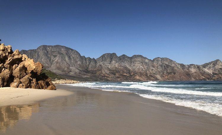 Strand an der Küste Südafrikas