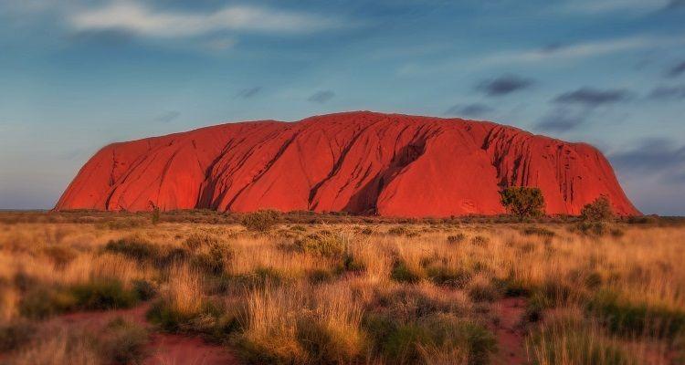Der Uluru bei Sonnenuntergang