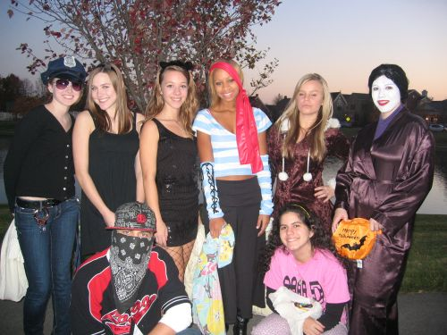 My friends and I went for trick or treating to the nicest neighborhood of our City. We had lots of fun and I enjoyed the american Halloween a lot. =)
