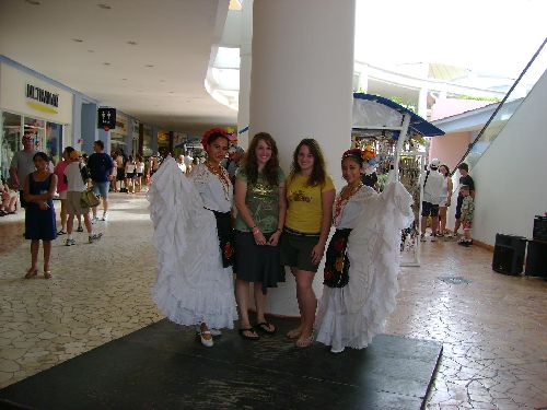 on this picture you see me (on the right) with my sister and to mexican dancers on our cruise to mexico